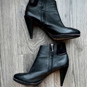 8.5 ARMANI Jeans Ankle Boots